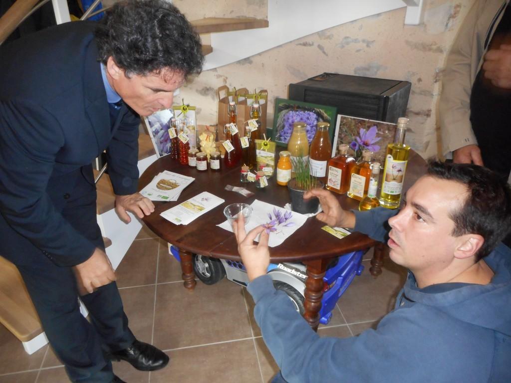 Paul Molac aux côté de Gwendal Amelot, producteur de Safran.
