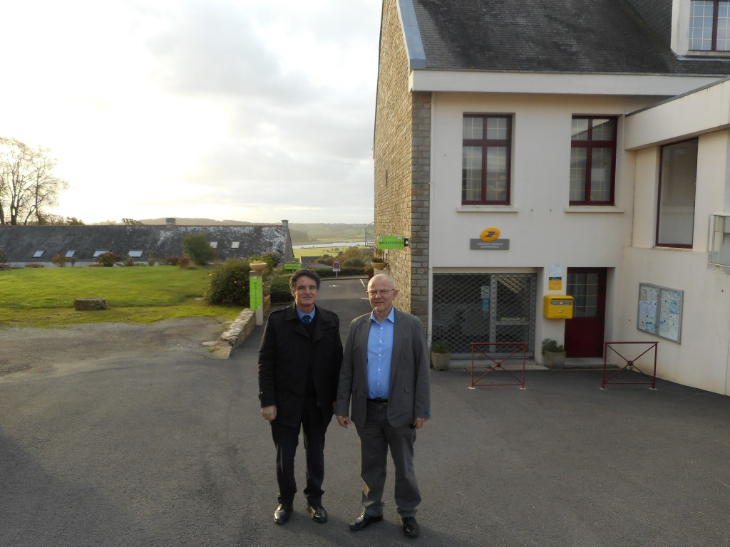 Paul Molac en compagnie de Bernard Ryo, maire de Béganne.