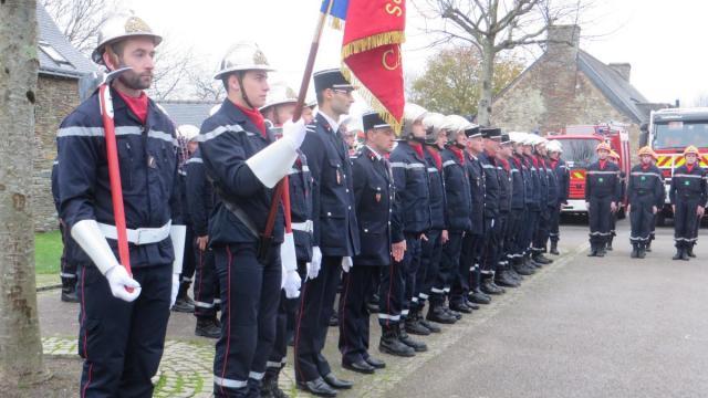 les-pompiers-de-ploermel-et-de-campeneac-fetent-la-sainte-barbe