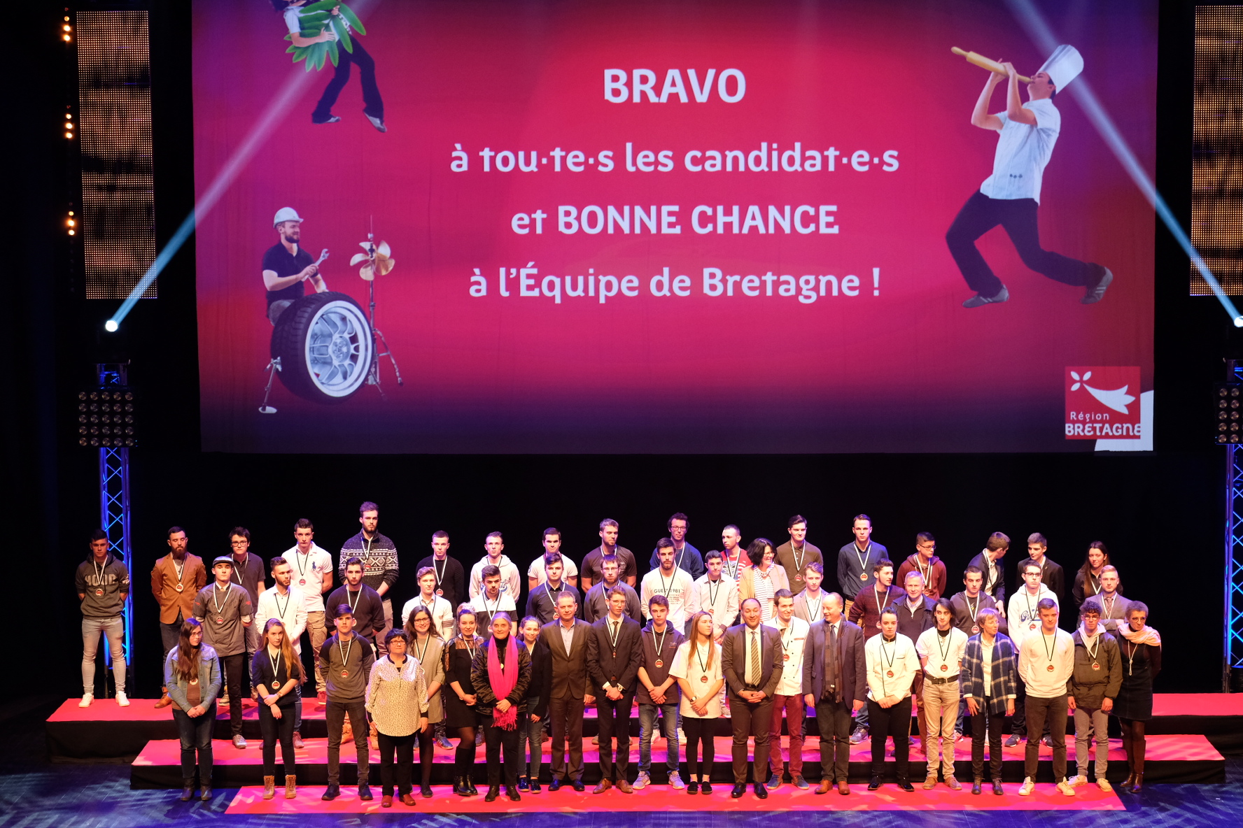 45e_Olympiades_des_Metiers_photo_groupe